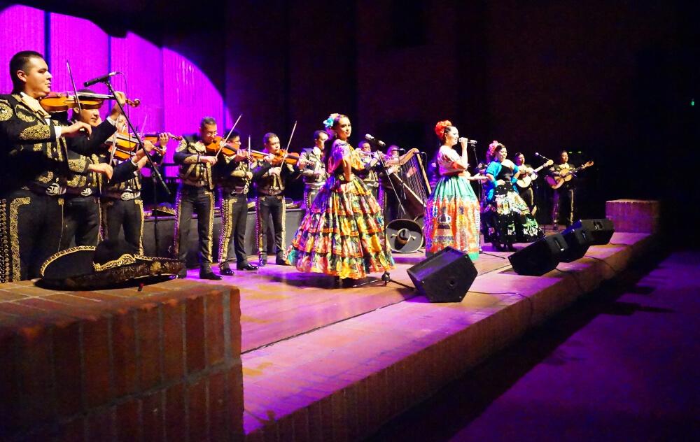 La Embajada De México Ofrece Serenata A Colombia